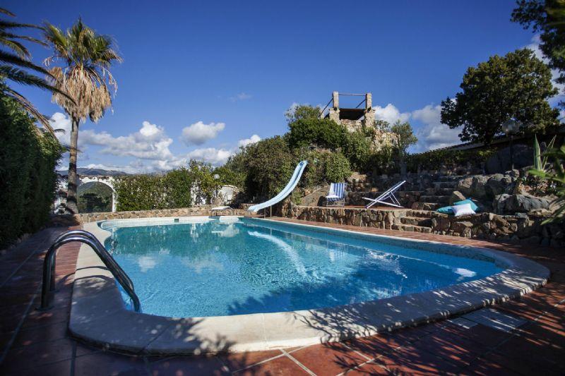 Villa Bifamiliare in vendita a Maracalagonis, 5 locali, prezzo € 505.000 | Cambio Casa.it