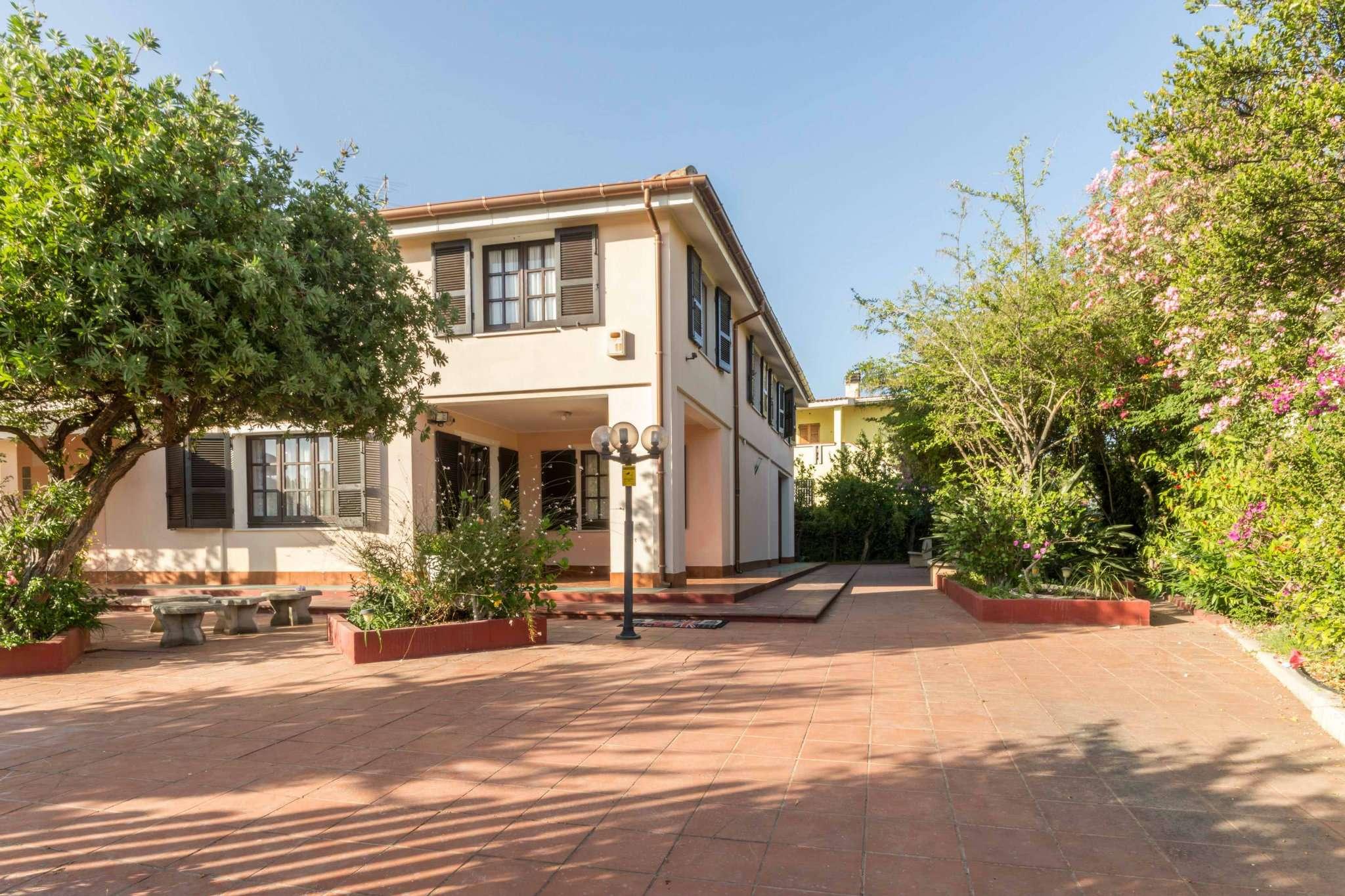Villa in vendita a Quartu Sant'Elena, 8 locali, prezzo € 560.000 | Cambio Casa.it