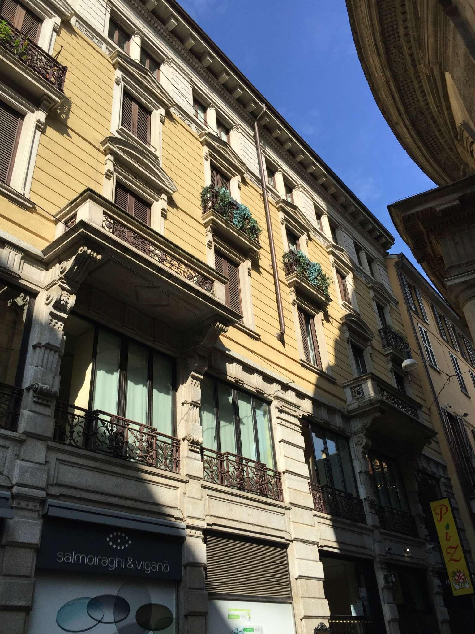 Bilocale Milano Via Torino 4