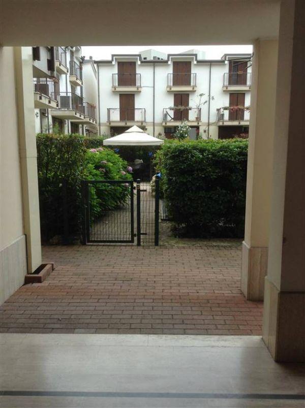 Bilocale Milano Via Rutilia 6
