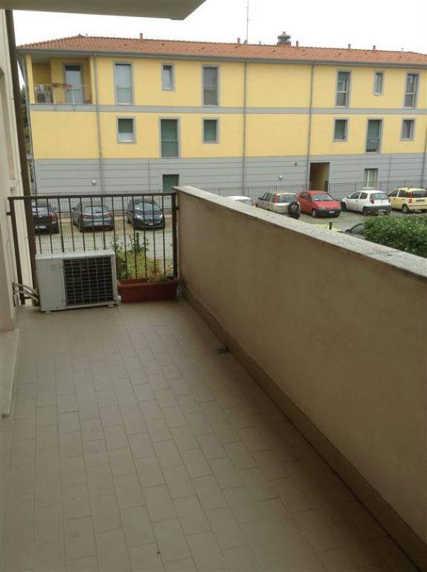 Bilocale Milano Via Rutilia 7
