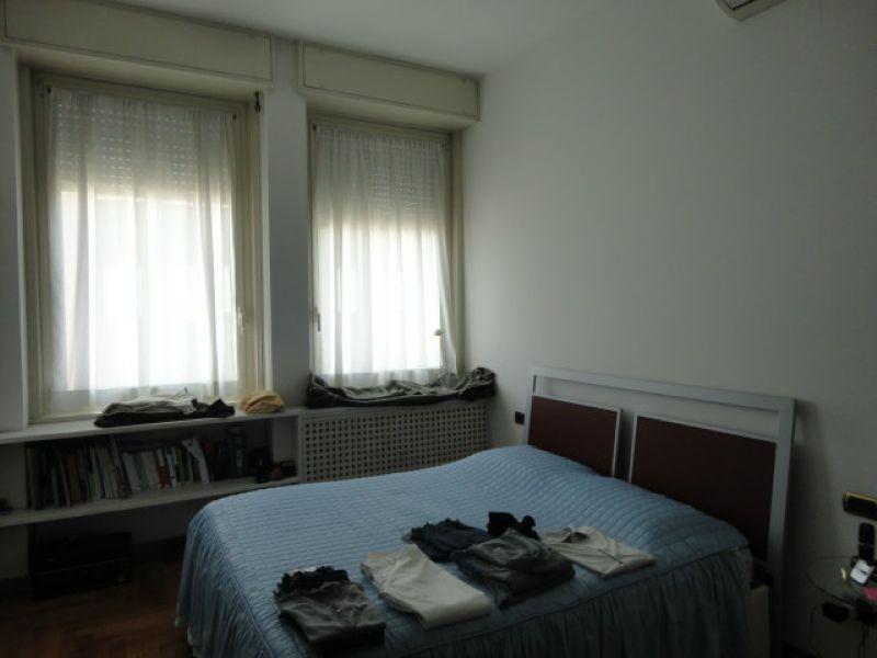 Bilocale Milano Via Vitto Pisani 8