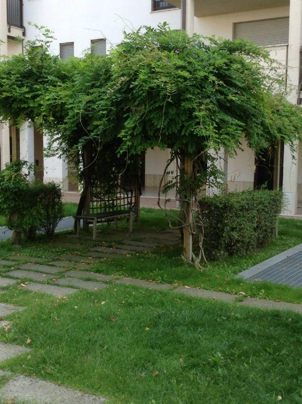 Bilocale Milano Via Rutilia 11