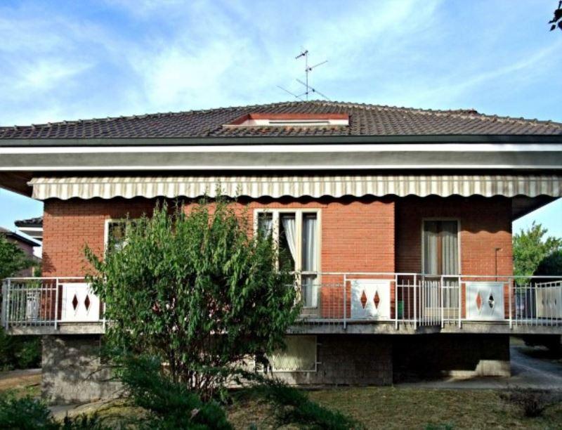 Villa in vendita a Pavia, 6 locali, prezzo € 670.000   Cambio Casa.it
