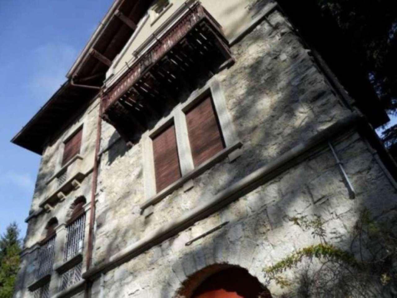 Villa in vendita a Ballabio, 6 locali, prezzo € 1.100.000 | Cambio Casa.it