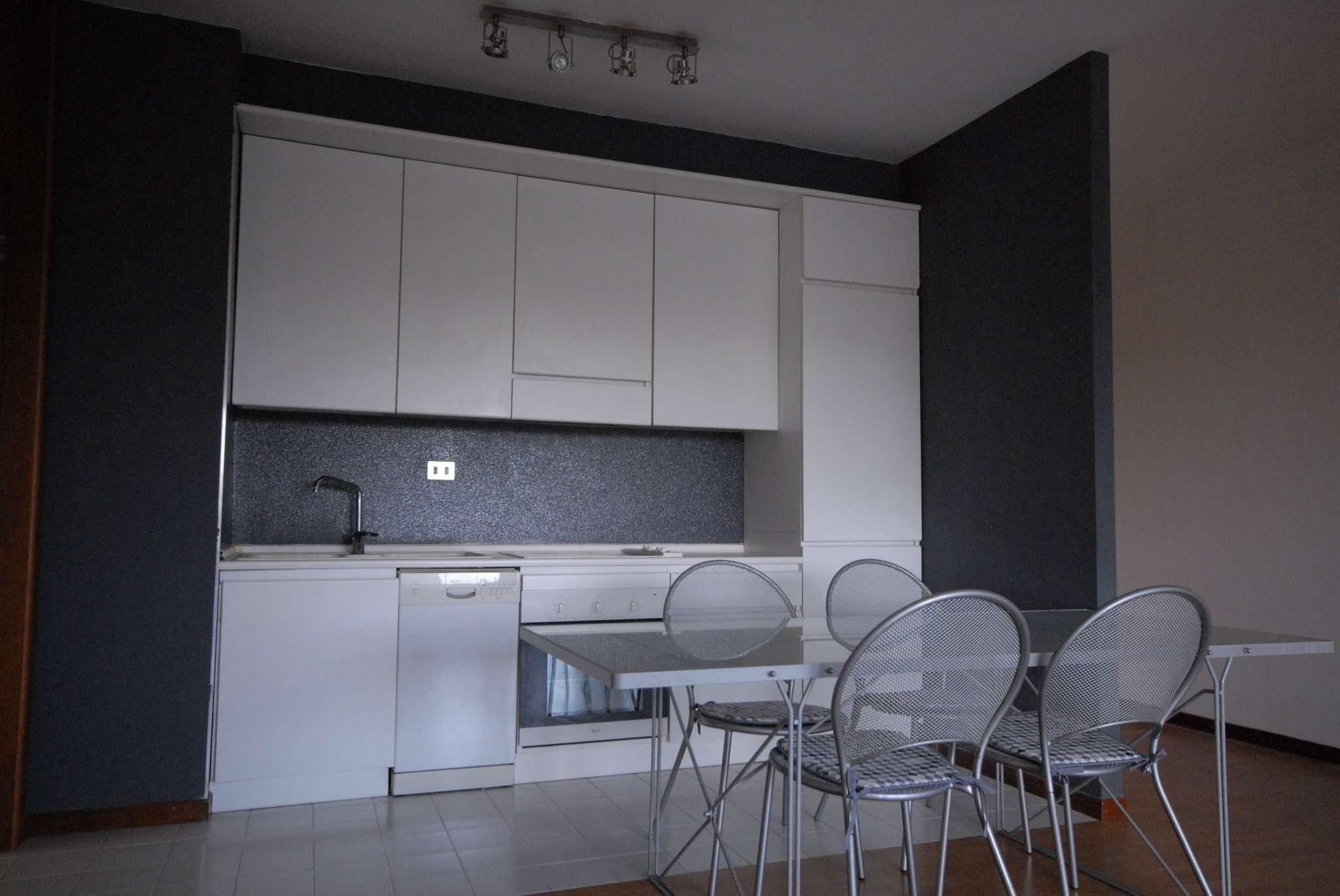 Appartamento in vendita a Basiglio, 2 locali, prezzo € 200.000 | Cambio Casa.it