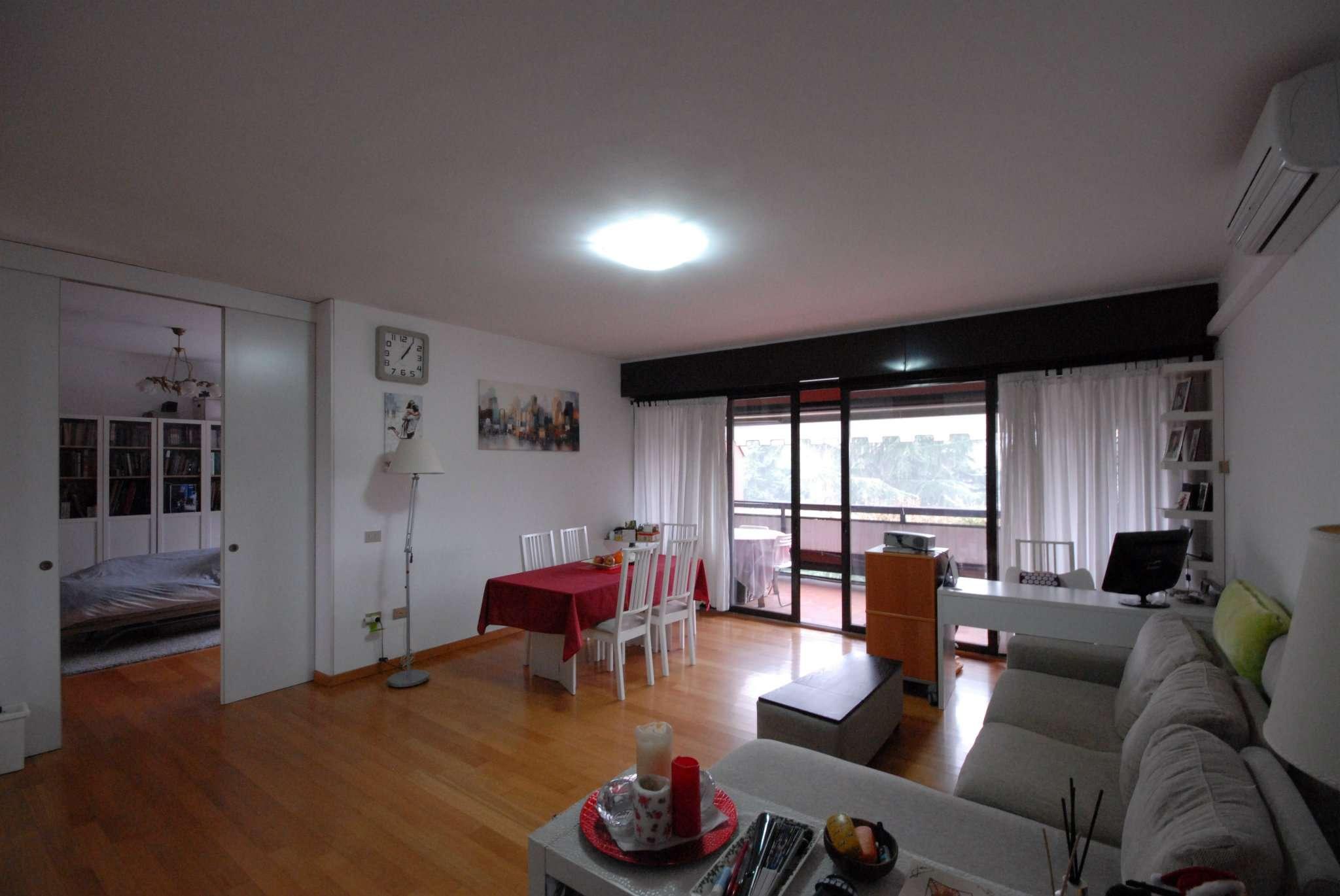 Appartamento in vendita a Basiglio, 3 locali, prezzo € 235.000 | Cambio Casa.it
