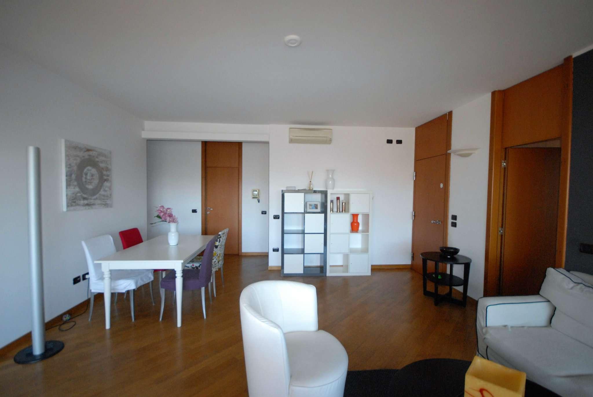 Appartamento in affitto a Basiglio, 4 locali, prezzo € 1.466 | Cambio Casa.it
