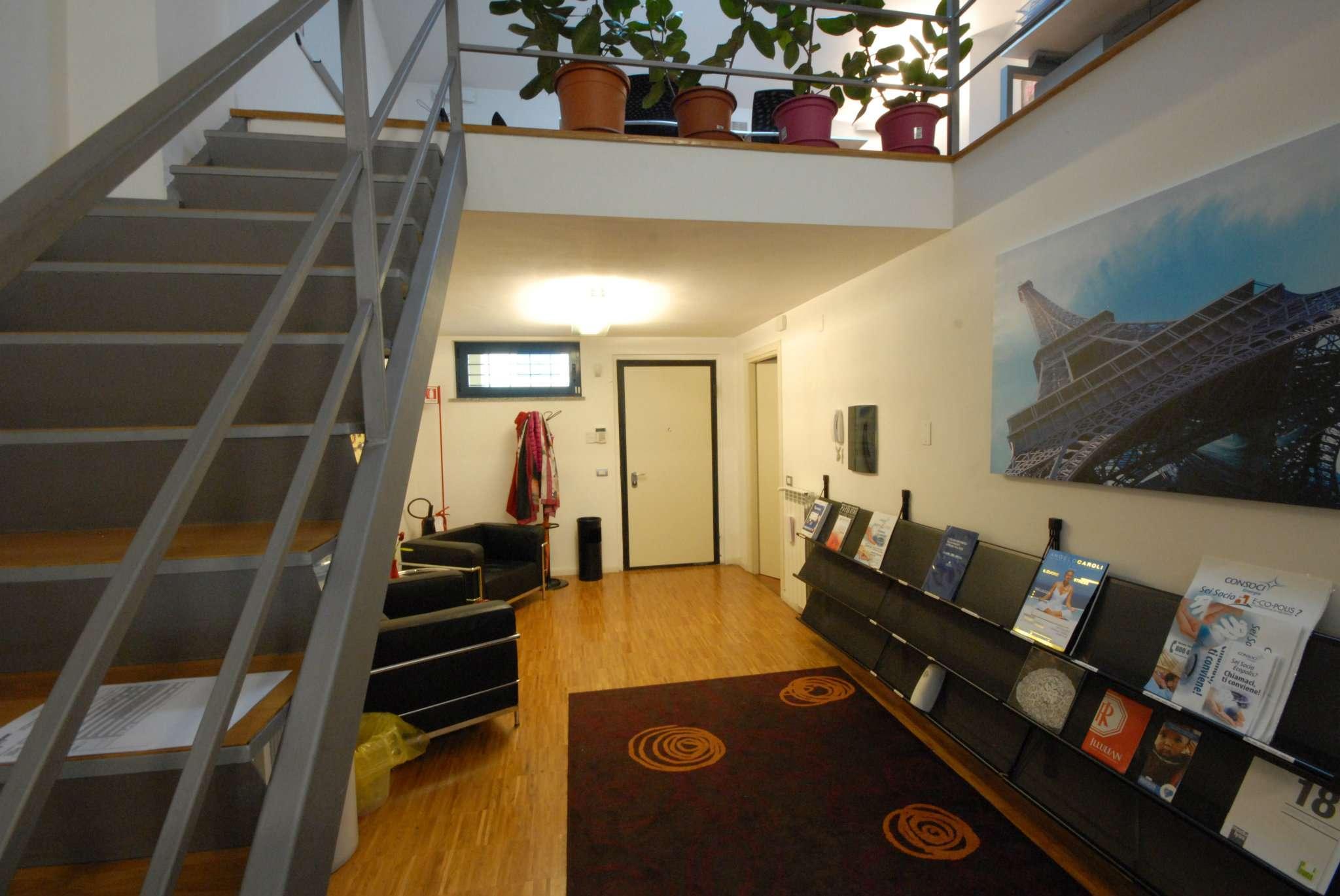 Loft / Openspace in affitto a Milano, 5 locali, zona Zona: 9 . Chiesa Rossa, Cermenate, Ripamonti, Missaglia, Gratosoglio, prezzo € 1.200 | Cambio Casa.it
