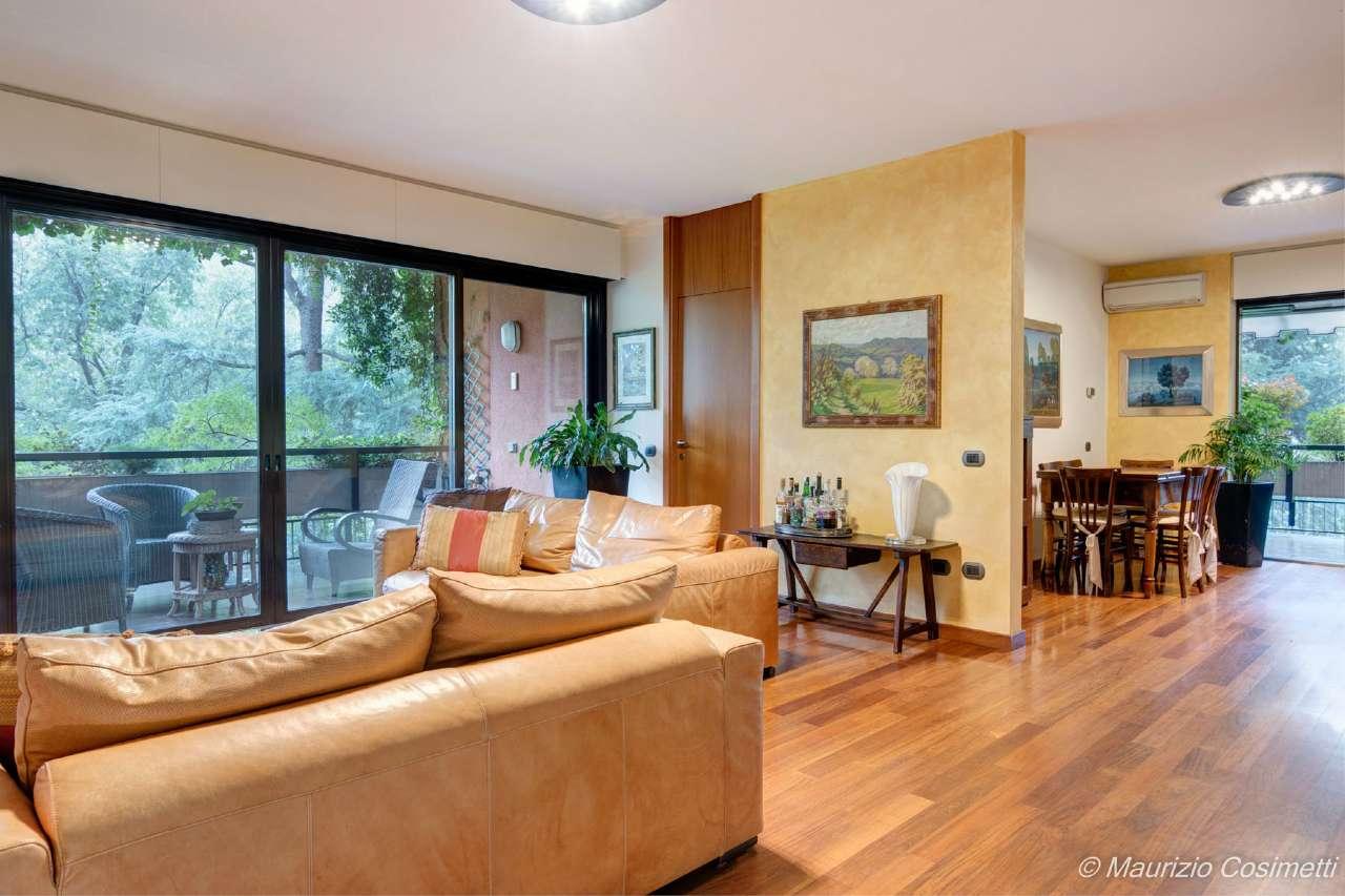 Appartamento in vendita a Basiglio, 5 locali, prezzo € 395.000 | CambioCasa.it