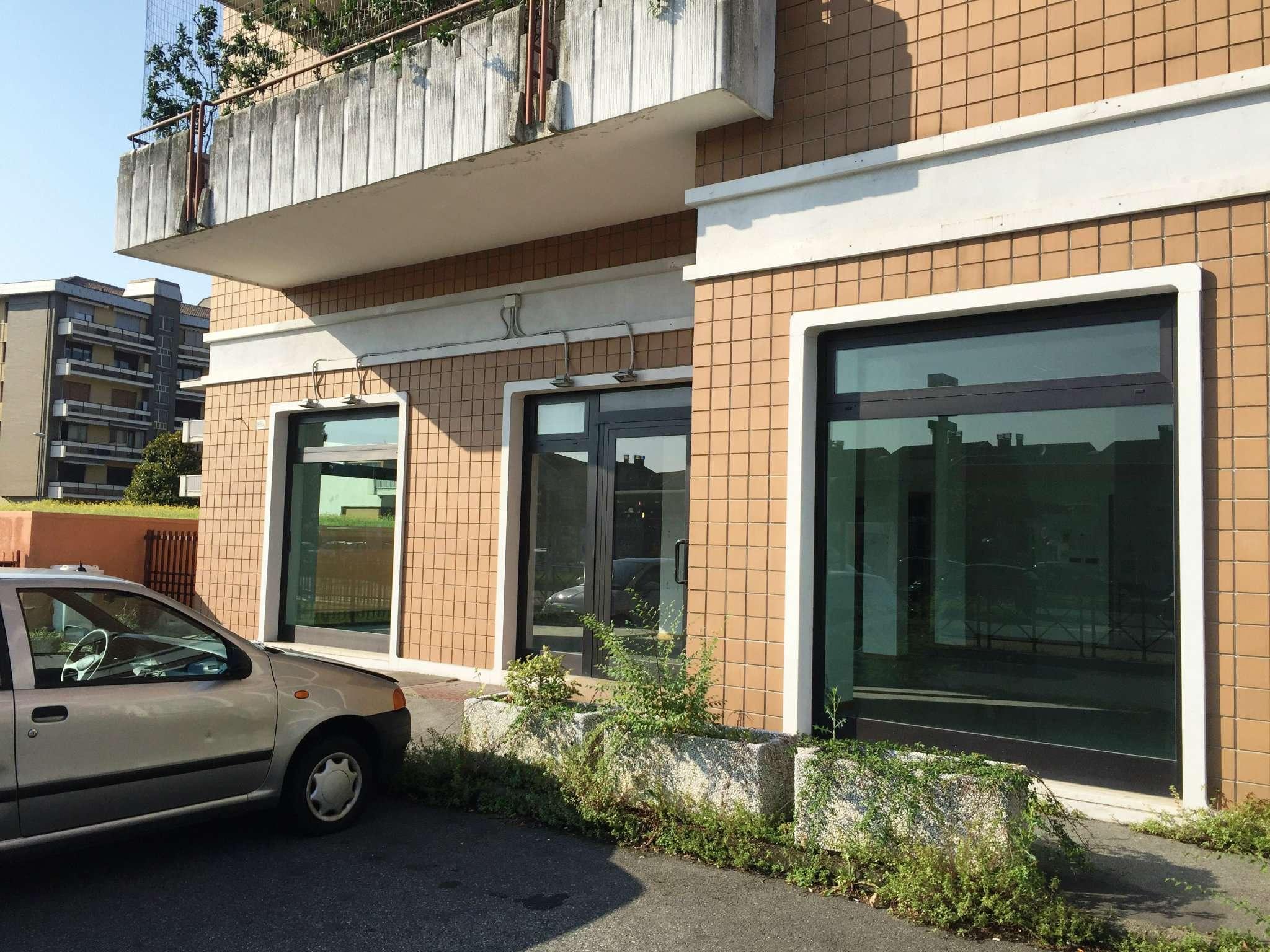 Negozio in affitto corso Susa 165/A Rivoli
