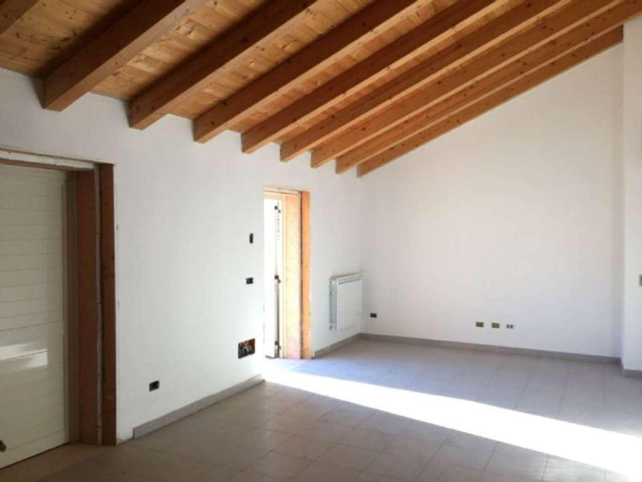 Appartamento in vendita a Viadana, 3 locali, prezzo € 110.000 | Cambio Casa.it