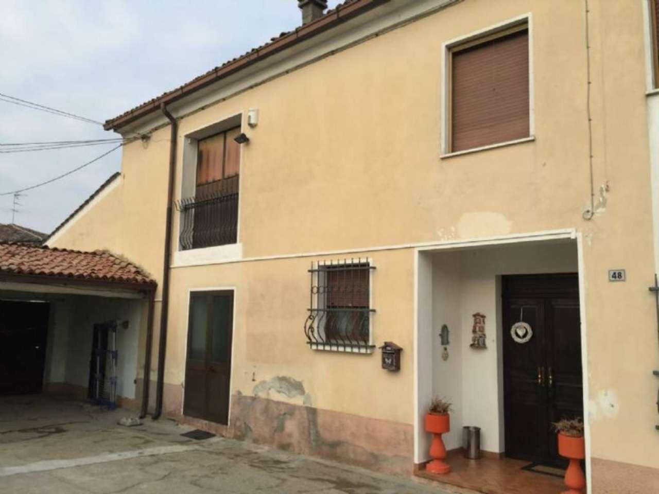 Soluzione Semindipendente in vendita a Commessaggio, 5 locali, prezzo € 110.000 | Cambio Casa.it