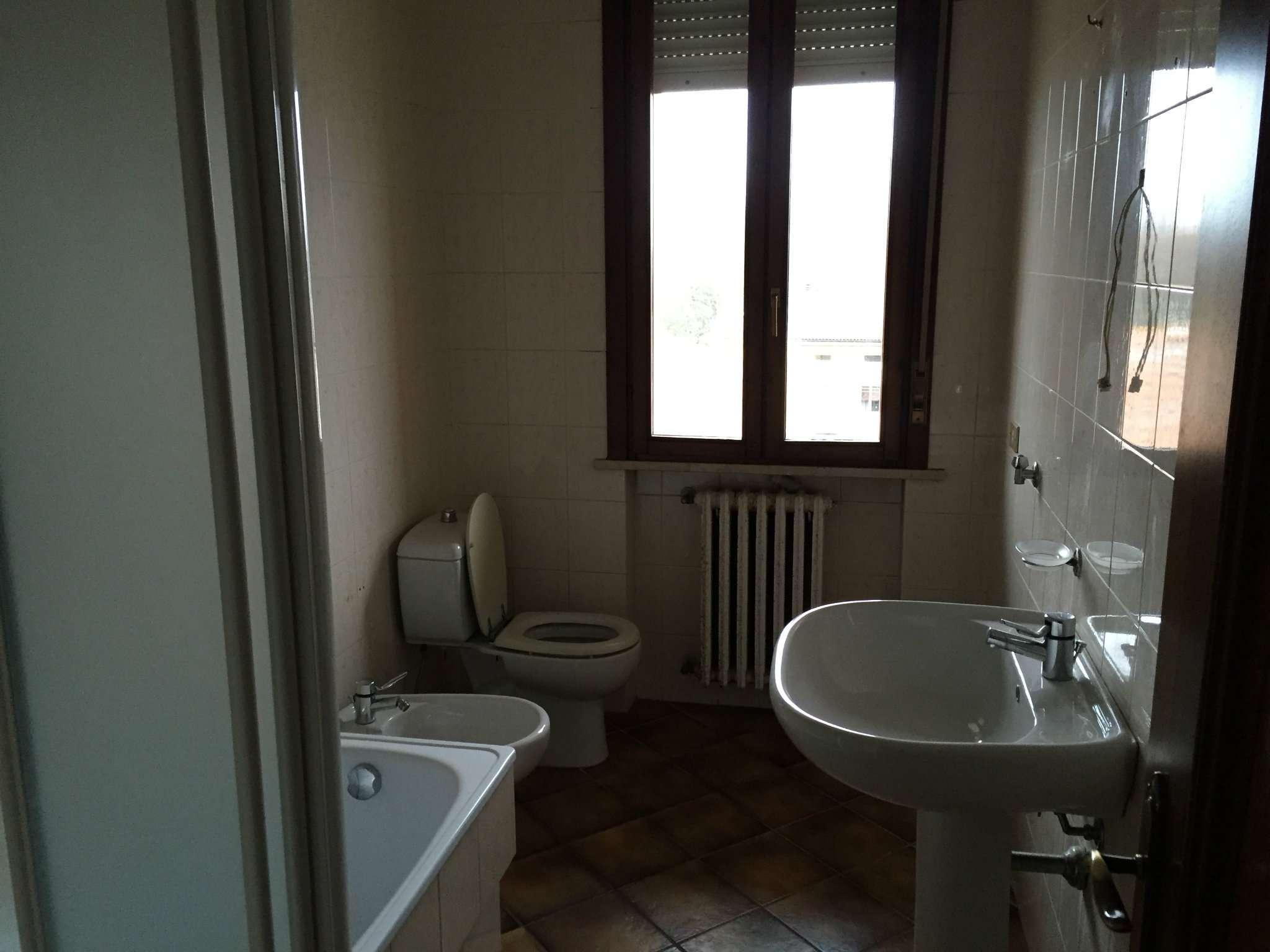 Bilocale Boretto Via Vittorio Veneto 6