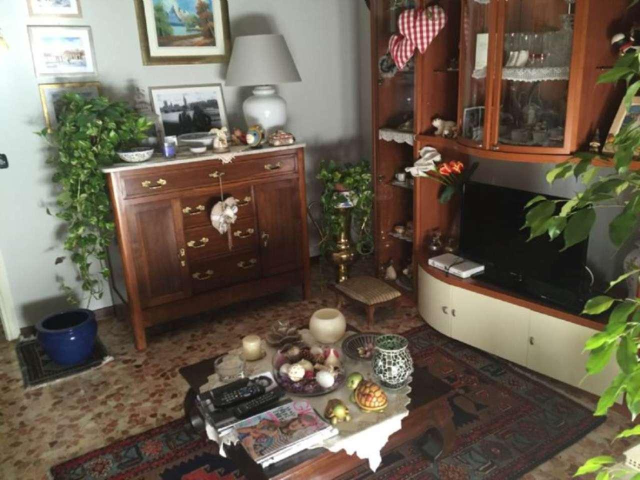 Appartamento in vendita a Sabbioneta, 3 locali, prezzo € 75.000 | CambioCasa.it