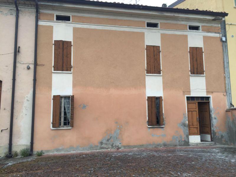 Rustico / Casale in vendita a Viadana, 5 locali, prezzo € 120.000 | Cambio Casa.it