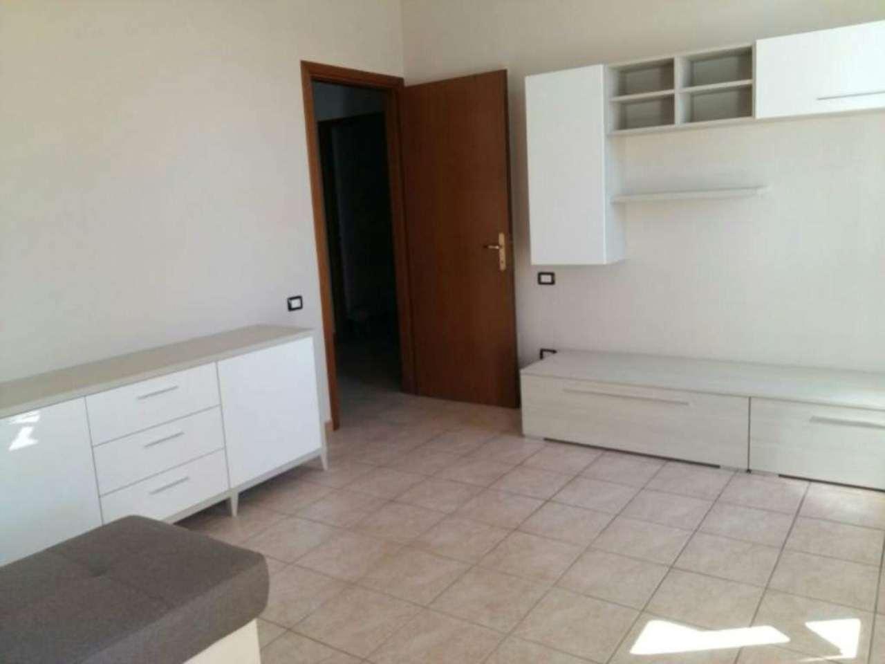 Appartamento in affitto a Viadana, 5 locali, prezzo € 500   CambioCasa.it