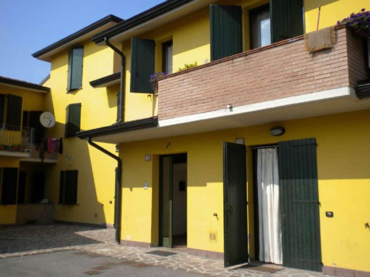 Appartamento in vendita a Viadana, 5 locali, prezzo € 90.000 | Cambio Casa.it