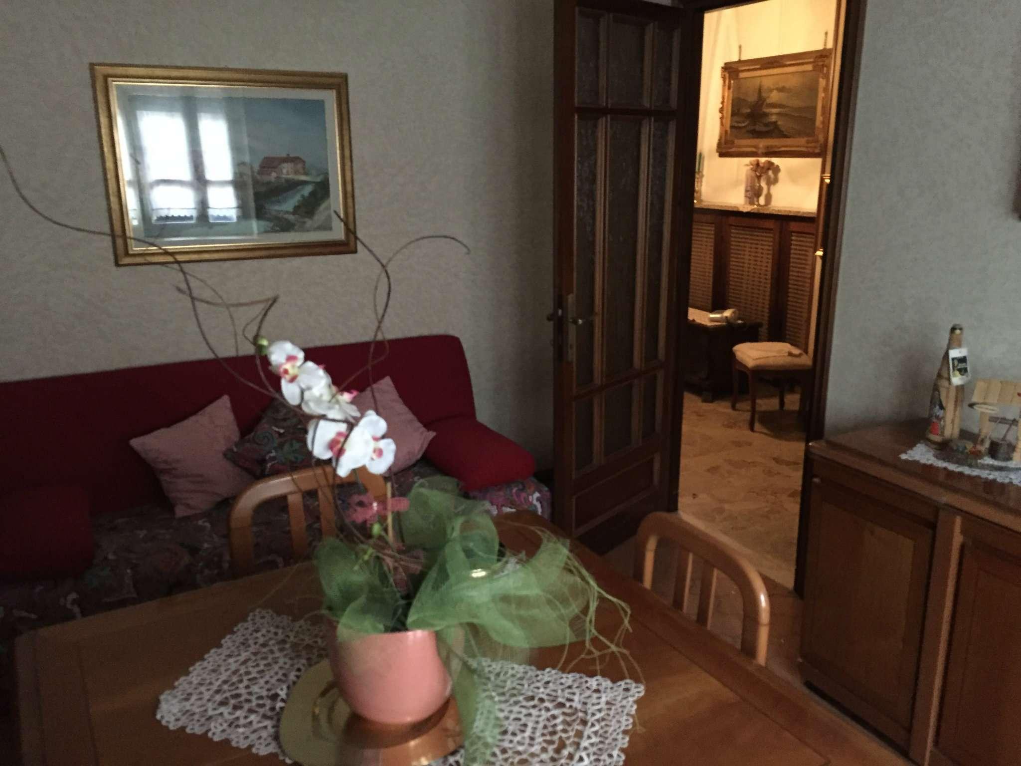 Palazzo / Stabile in vendita a Viadana, 3 locali, prezzo € 75.000 | CambioCasa.it