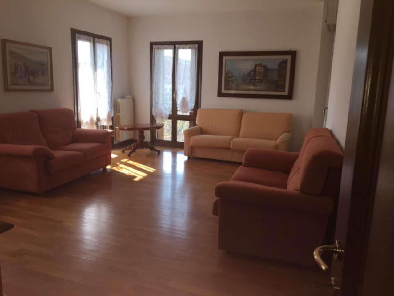 Appartamento in affitto a Viadana, 3 locali, prezzo € 450 | Cambio Casa.it