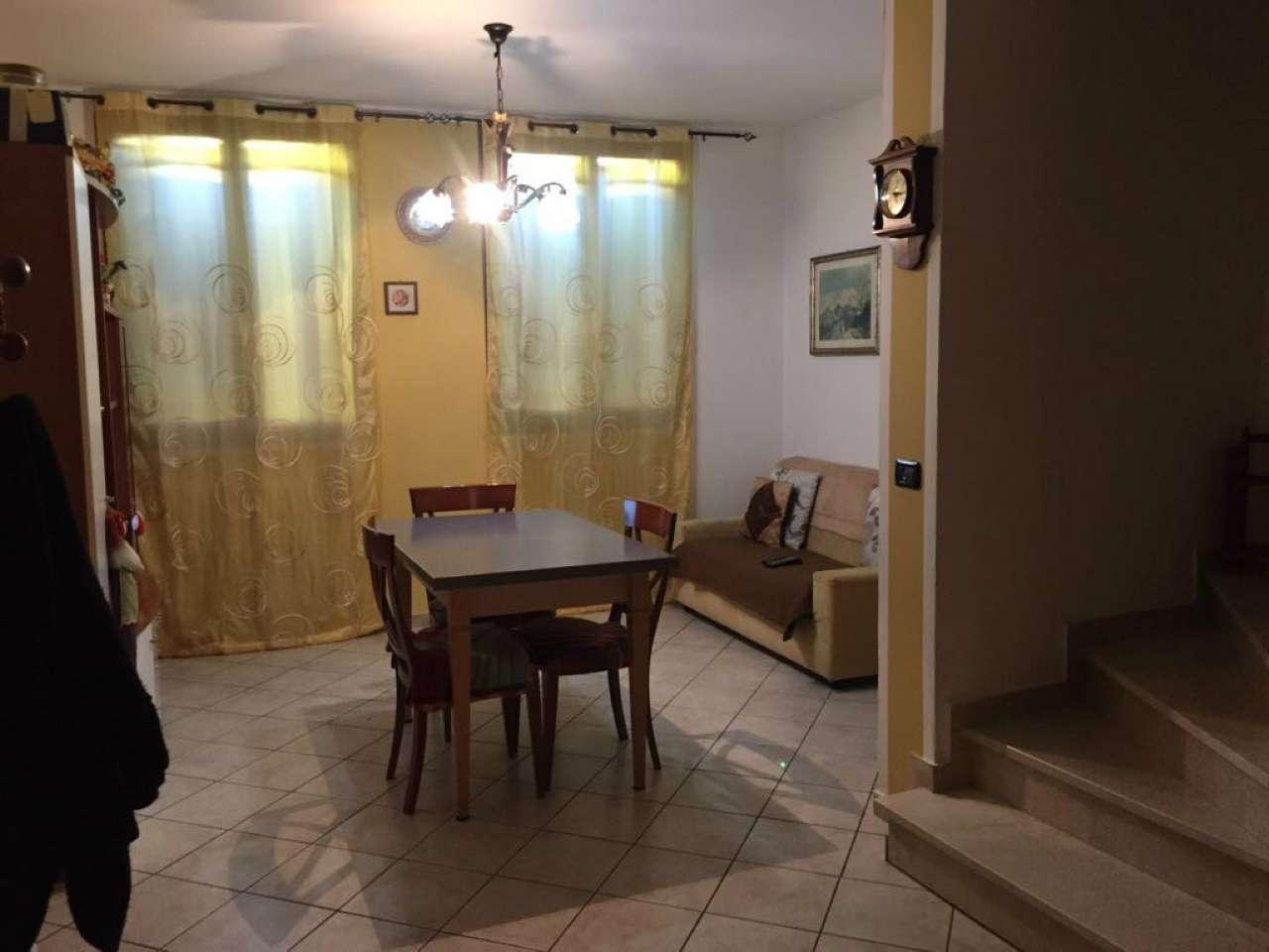 Palazzo / Stabile in vendita a Brescello, 4 locali, prezzo € 99.000 | CambioCasa.it