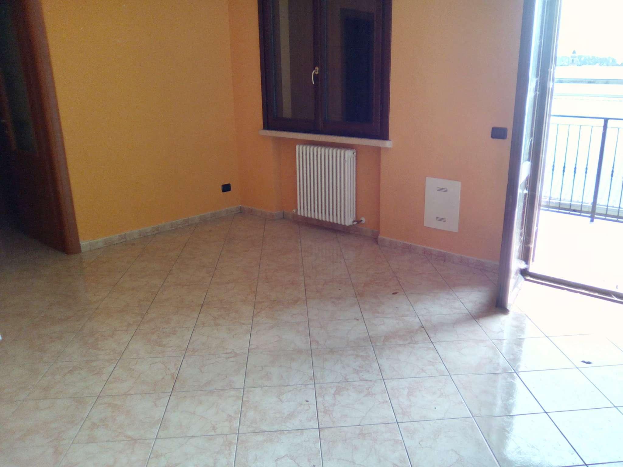Appartamento in affitto a Gualtieri, 2 locali, prezzo € 330 | CambioCasa.it