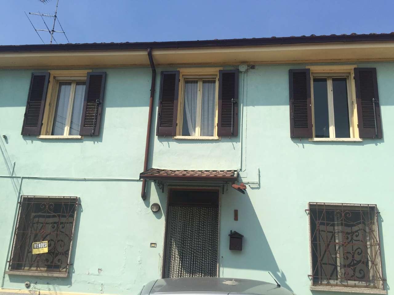 Palazzo / Stabile in vendita a Rivarolo Mantovano, 3 locali, prezzo € 55.000 | CambioCasa.it