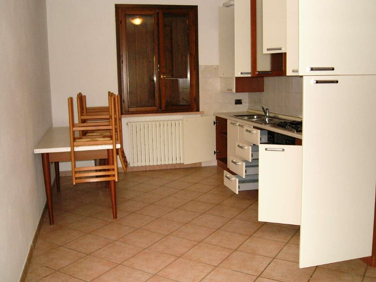 Appartamento in affitto a Dosolo, 2 locali, prezzo € 400 | CambioCasa.it