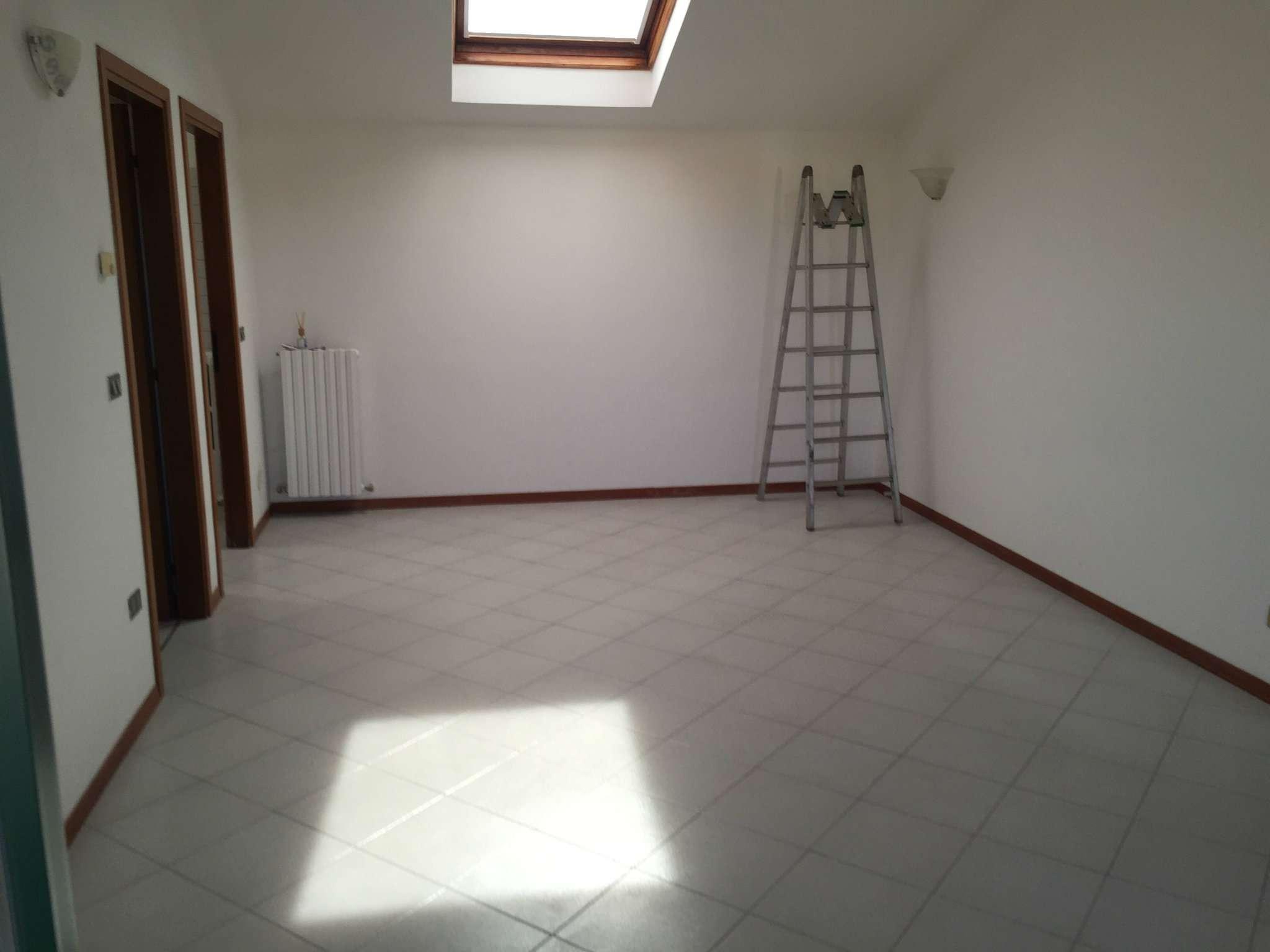 Appartamento in affitto a Viadana, 3 locali, prezzo € 400 | CambioCasa.it