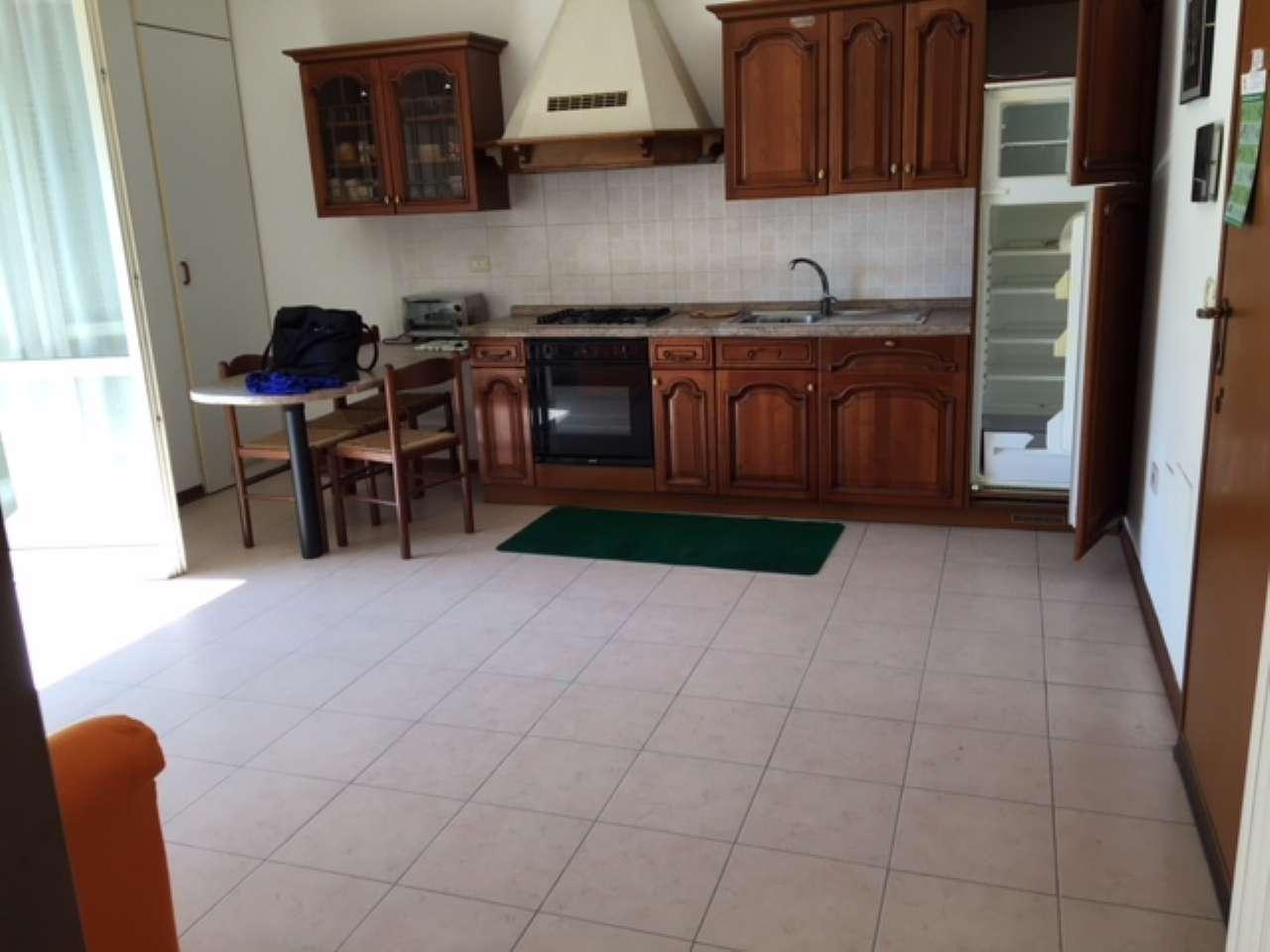 Appartamento in affitto a Viadana, 28 locali, prezzo € 380 | CambioCasa.it