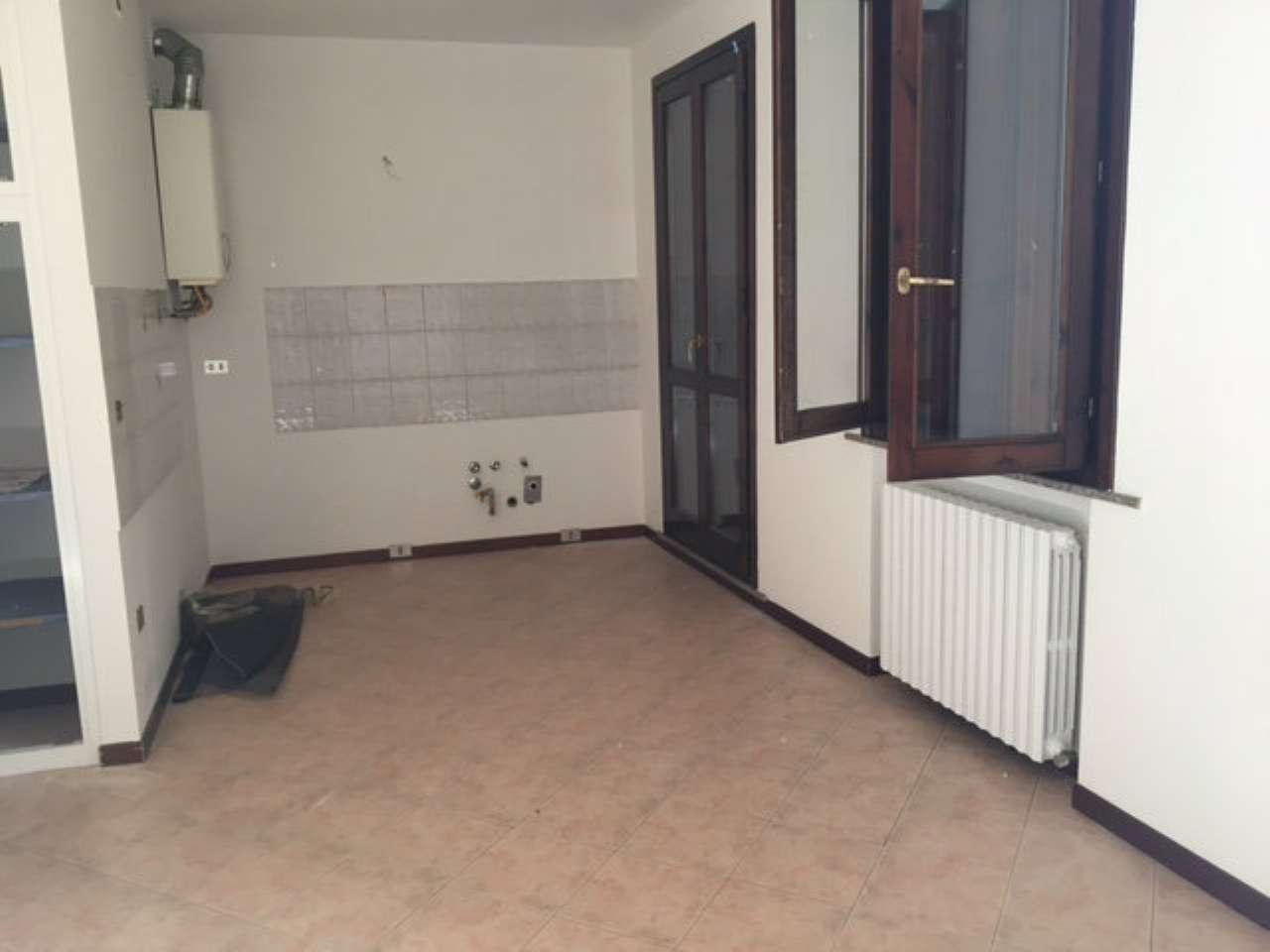 Appartamento in affitto a Viadana, 3 locali, prezzo € 450   CambioCasa.it