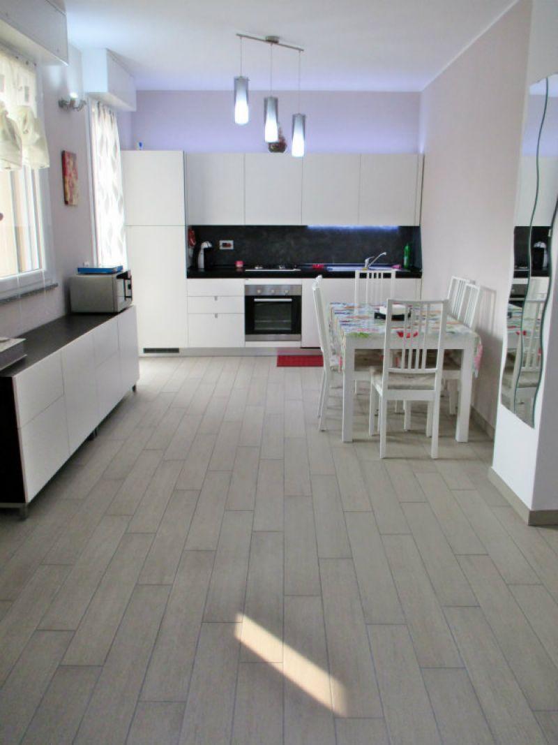 Appartamento in vendita a Cogliate, 3 locali, prezzo € 129.000 | Cambiocasa.it