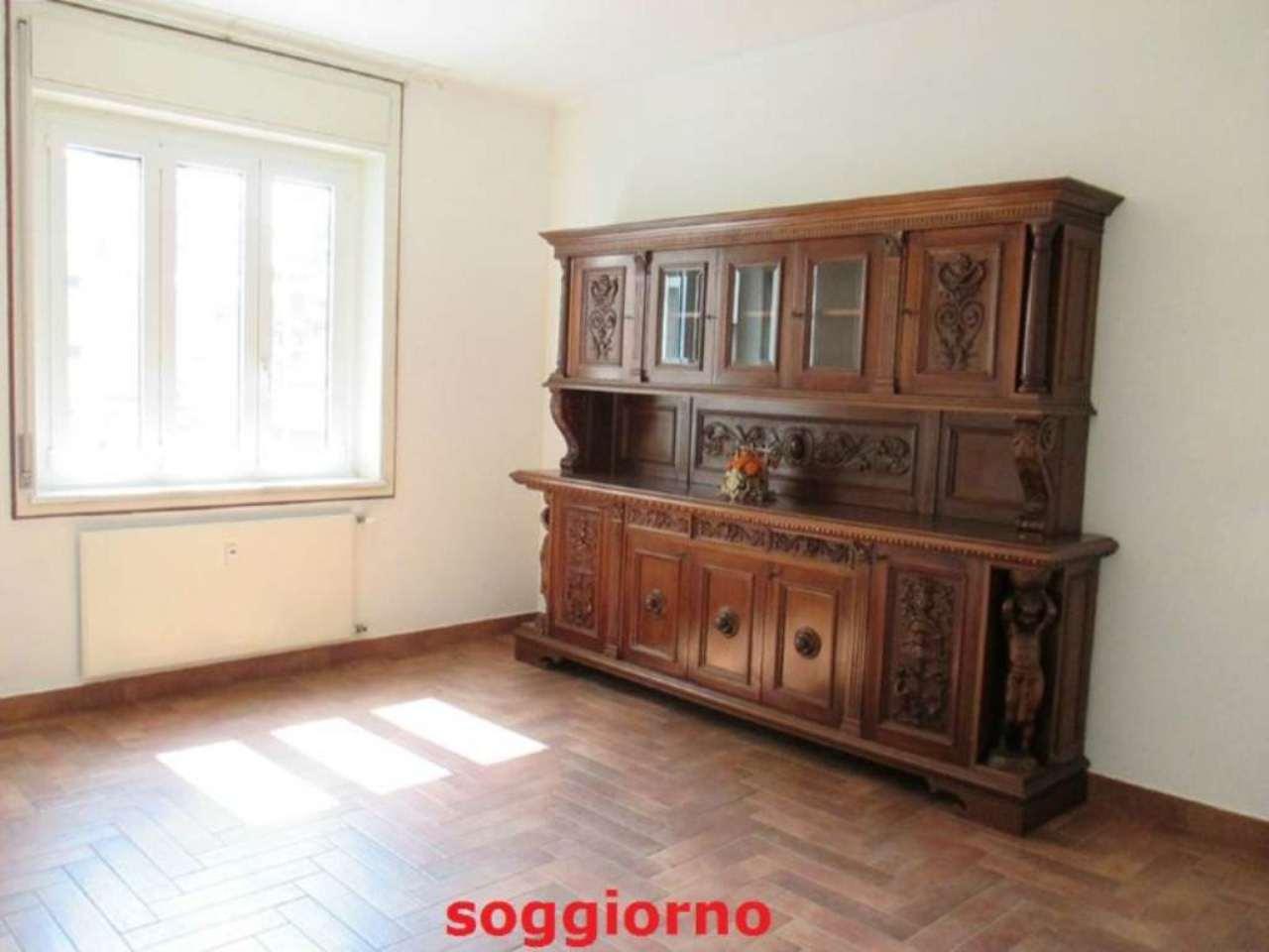 Appartamento in vendita a Saronno, 3 locali, prezzo € 155.000 | Cambio Casa.it