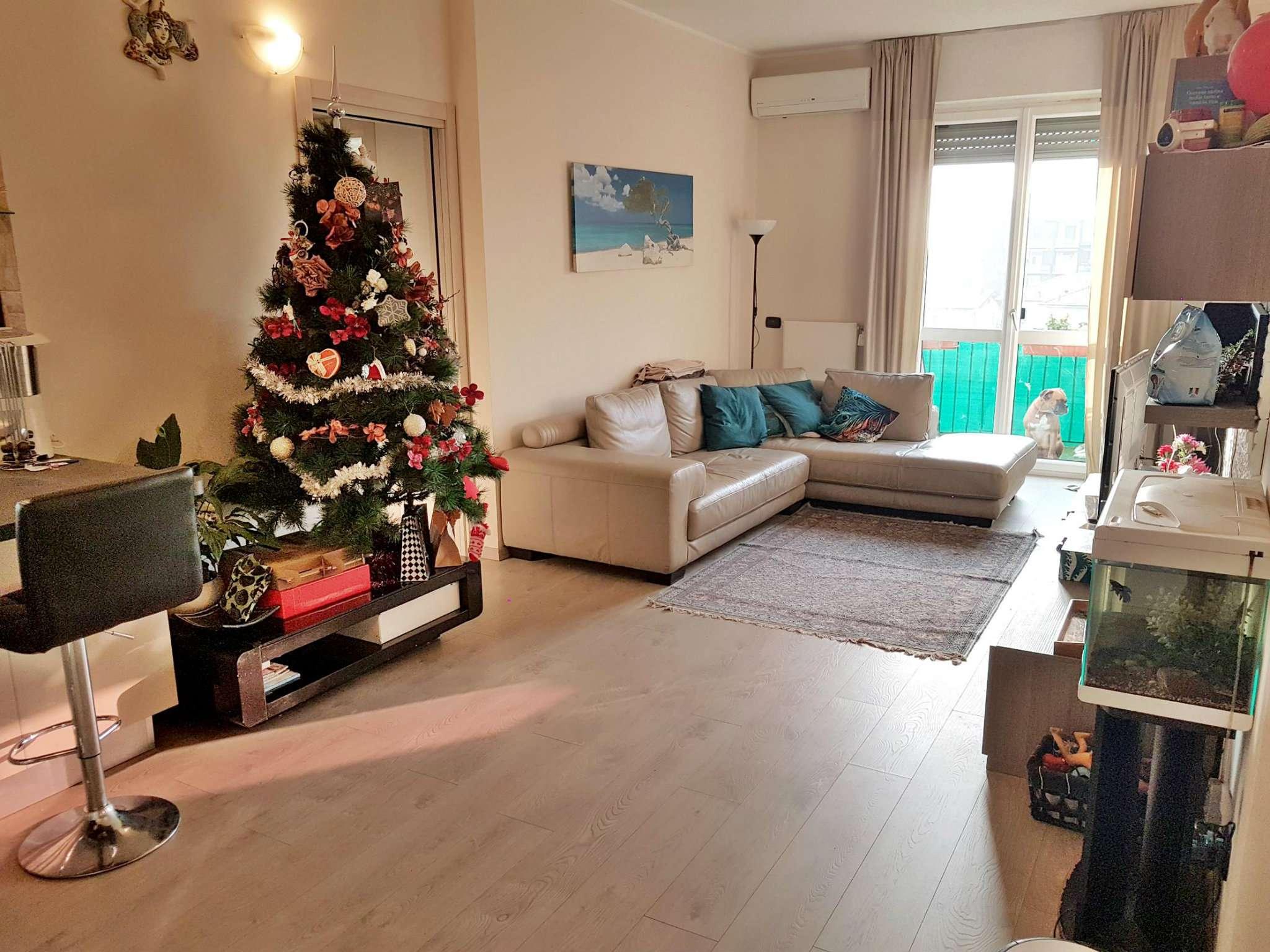 Appartamento in vendita a Saronno, 2 locali, prezzo € 149.000 | Cambio Casa.it