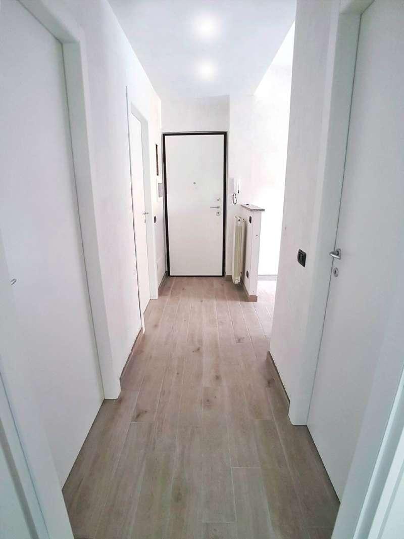 Appartamento in vendita a Saronno, 3 locali, prezzo € 109.000 | CambioCasa.it