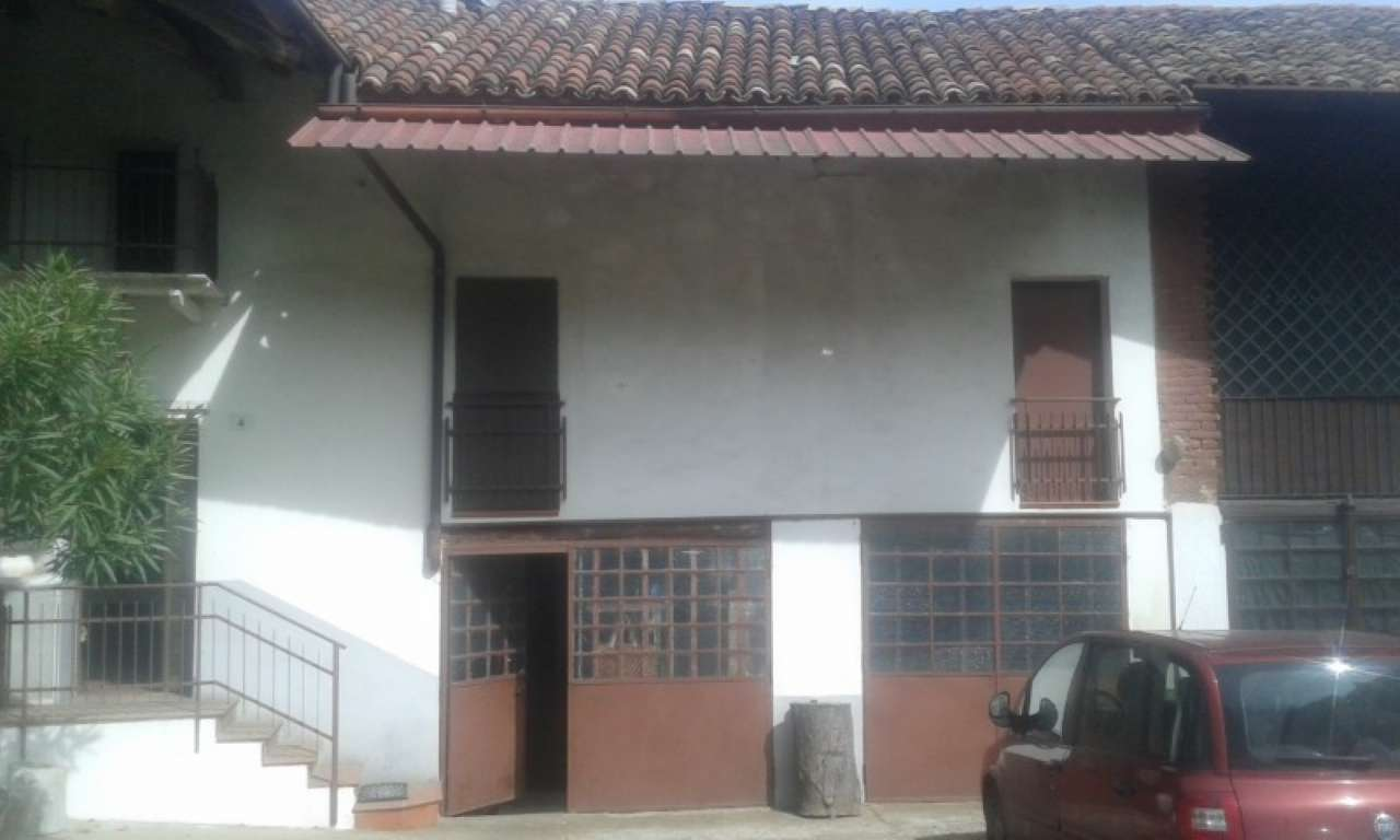 Foto 1 di Casa indipendente Piovà Massaia
