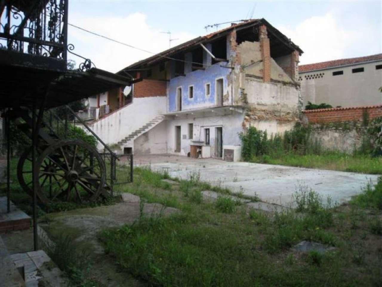 Foto 1 di Casa indipendente Maglione