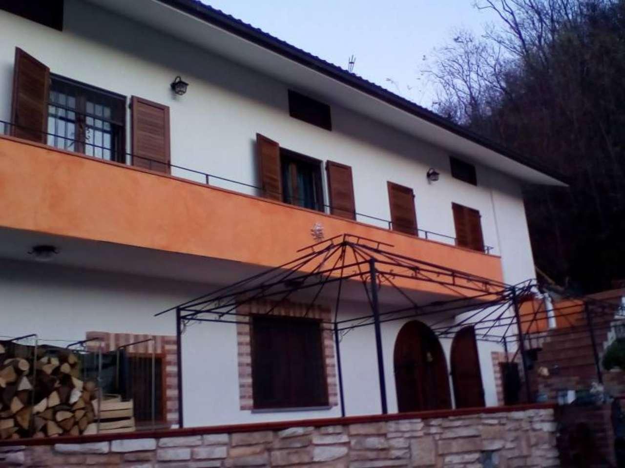 Foto 1 di Villa Borgofranco D'ivrea