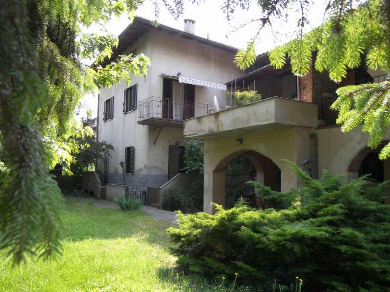 Foto 1 di Casa indipendente mura, Front
