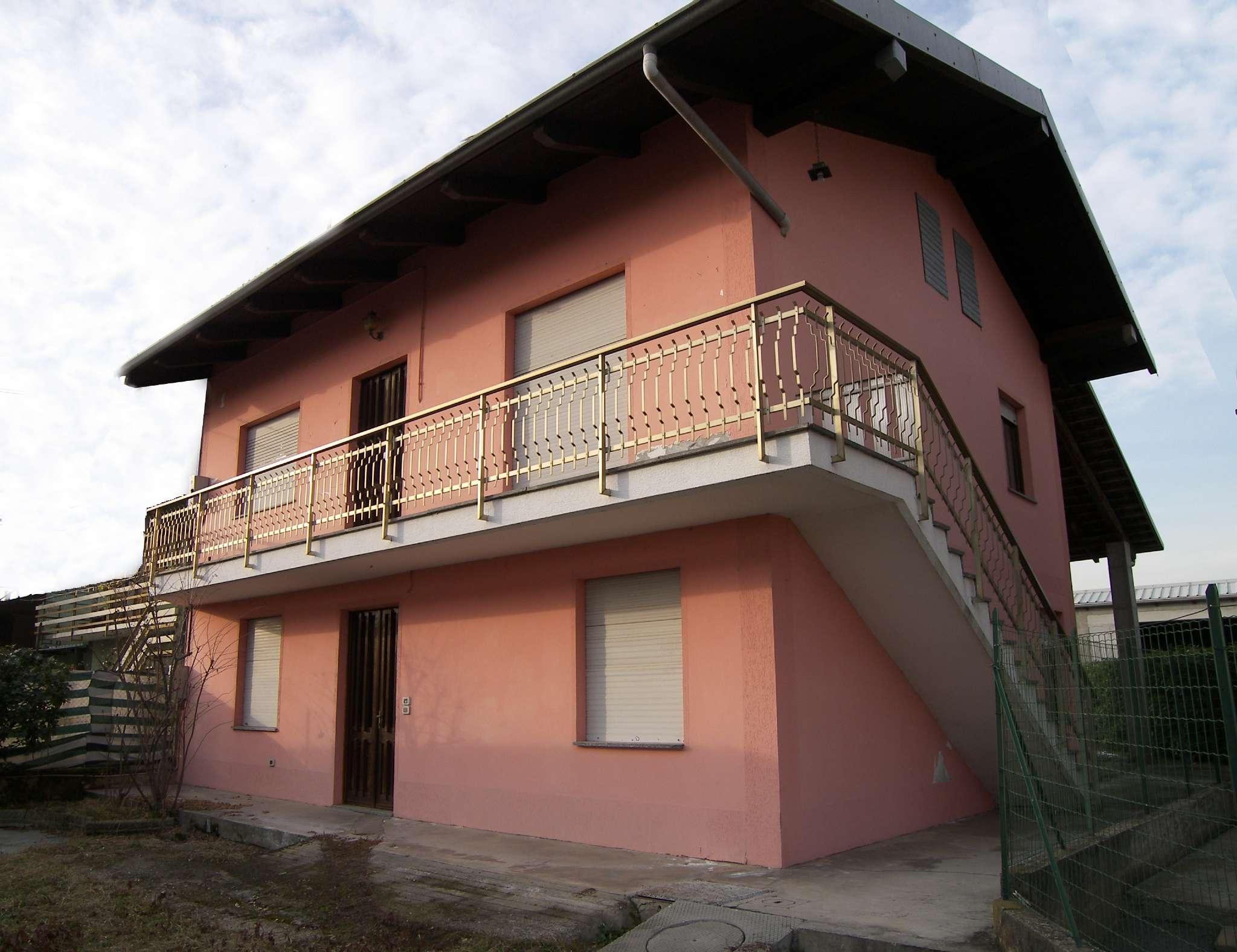 Foto 1 di Villa Lombardore
