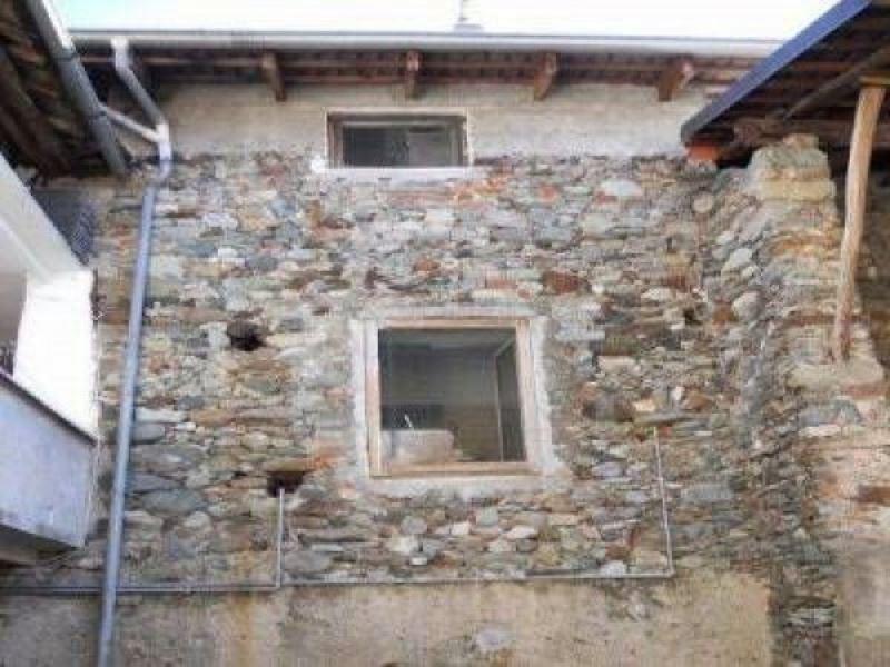 Casa Indipendente in Vendita a Andrate