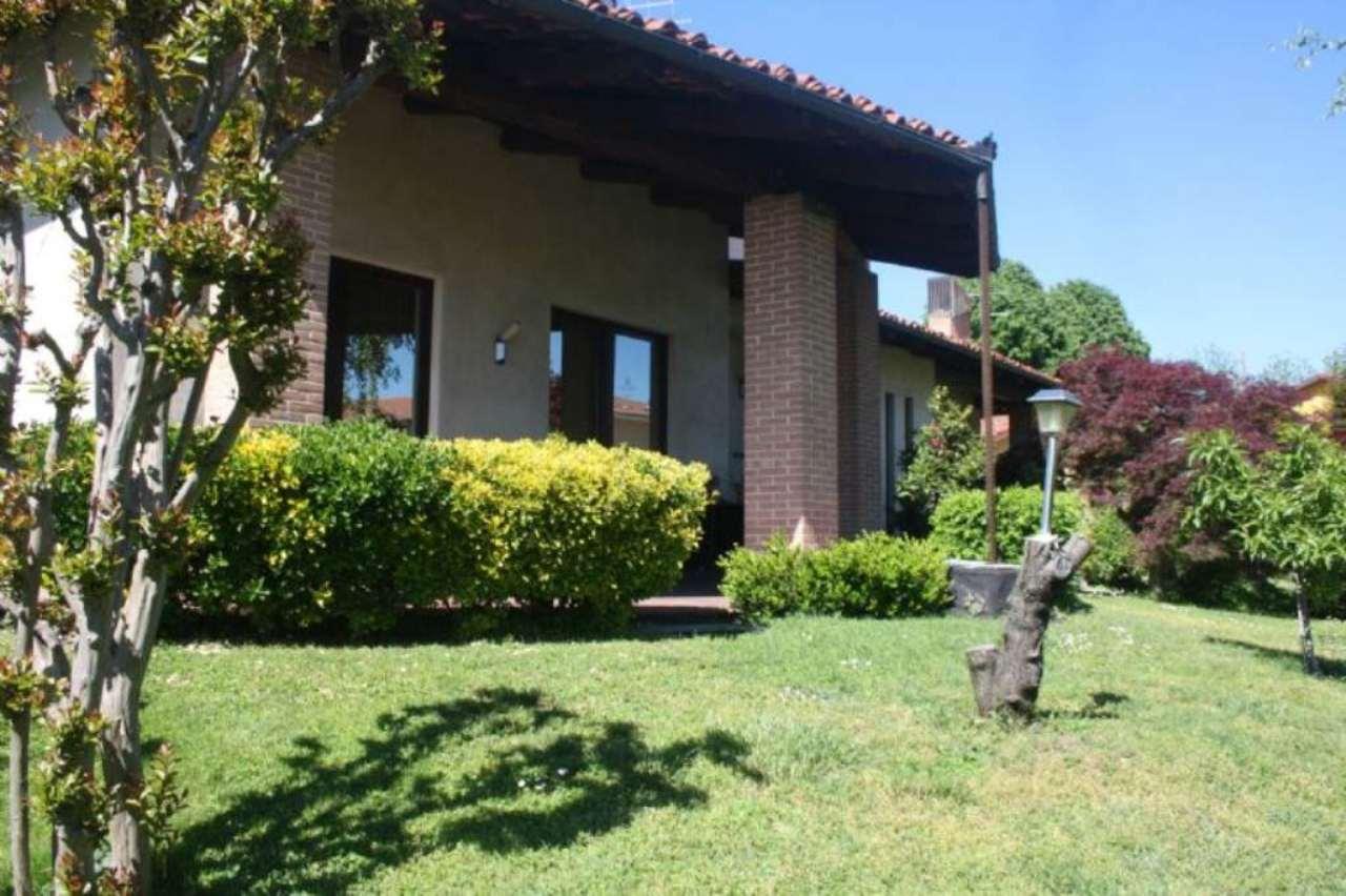 Villa in vendita a Bra, 6 locali, Trattative riservate | Cambio Casa.it
