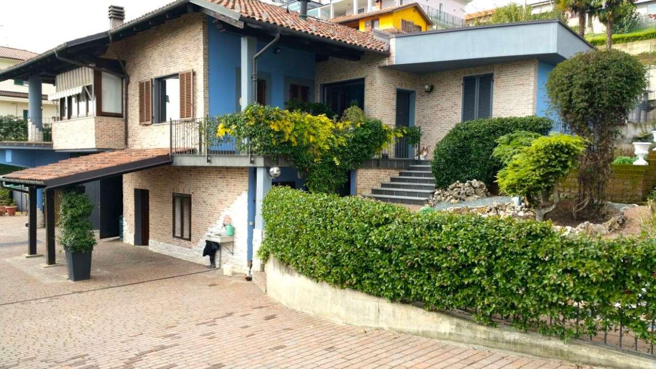 Villa in vendita a Bra, 7 locali, prezzo € 435.000   Cambio Casa.it
