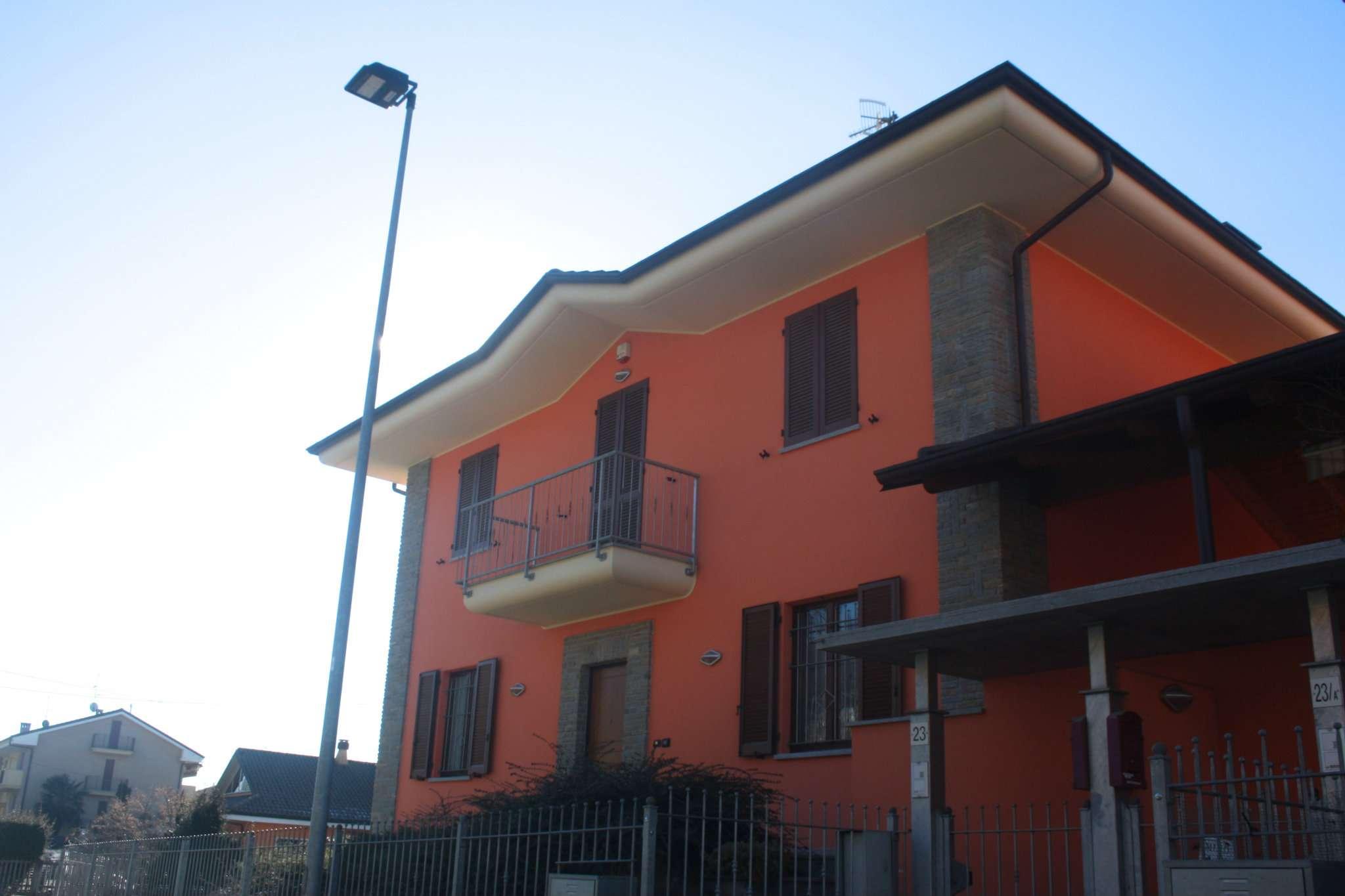 Villa in vendita a Bra, 5 locali, prezzo € 320.000 | Cambio Casa.it