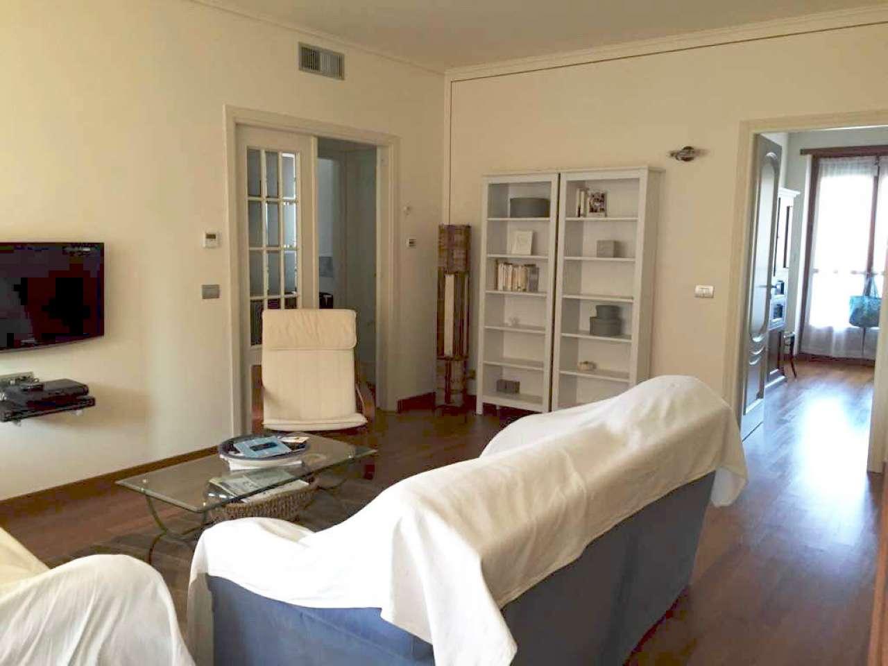 Appartamento in vendita a Bra, 4 locali, prezzo € 242.000 | CambioCasa.it