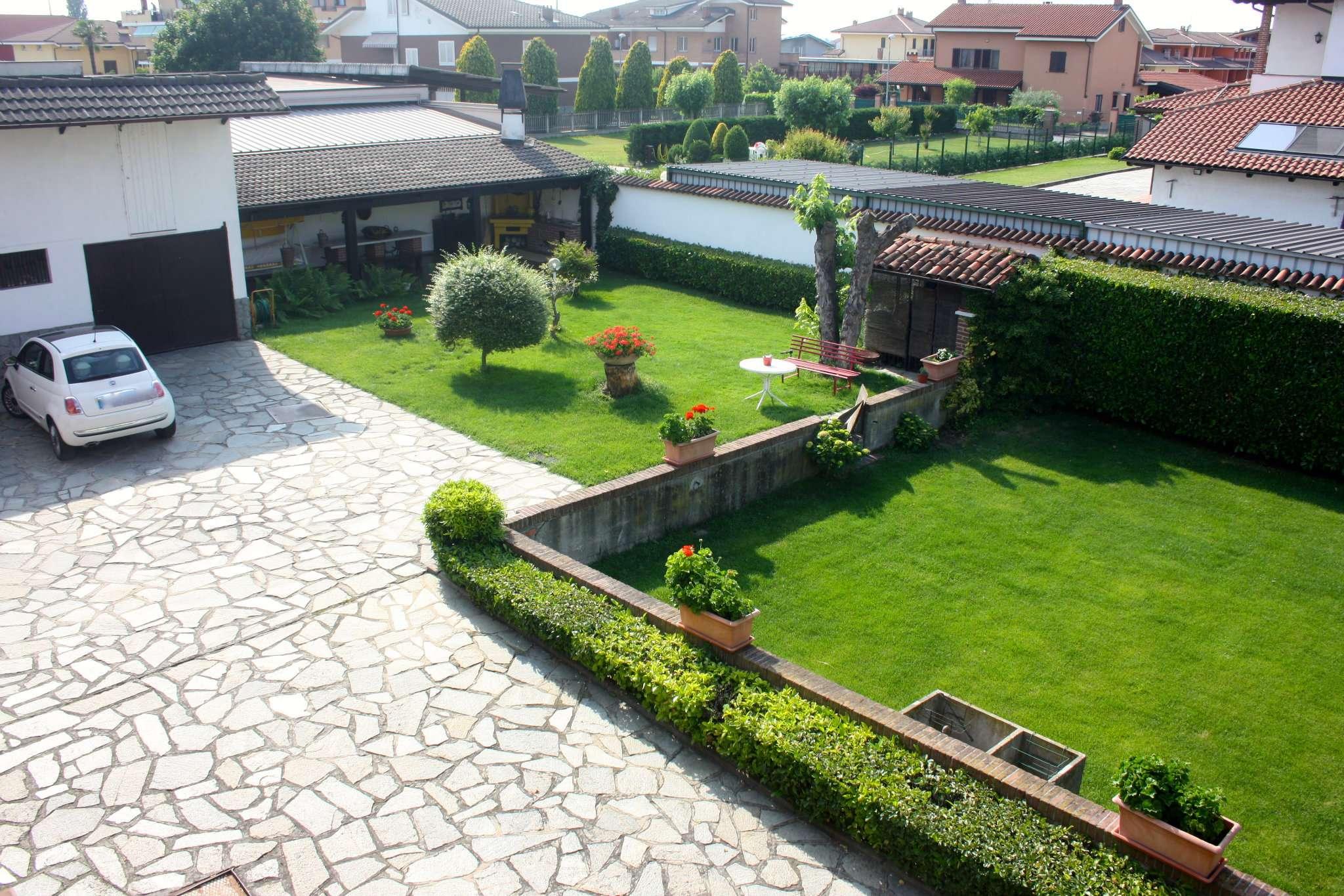 Soluzione Indipendente in vendita a Cherasco, 7 locali, prezzo € 280.000 | CambioCasa.it