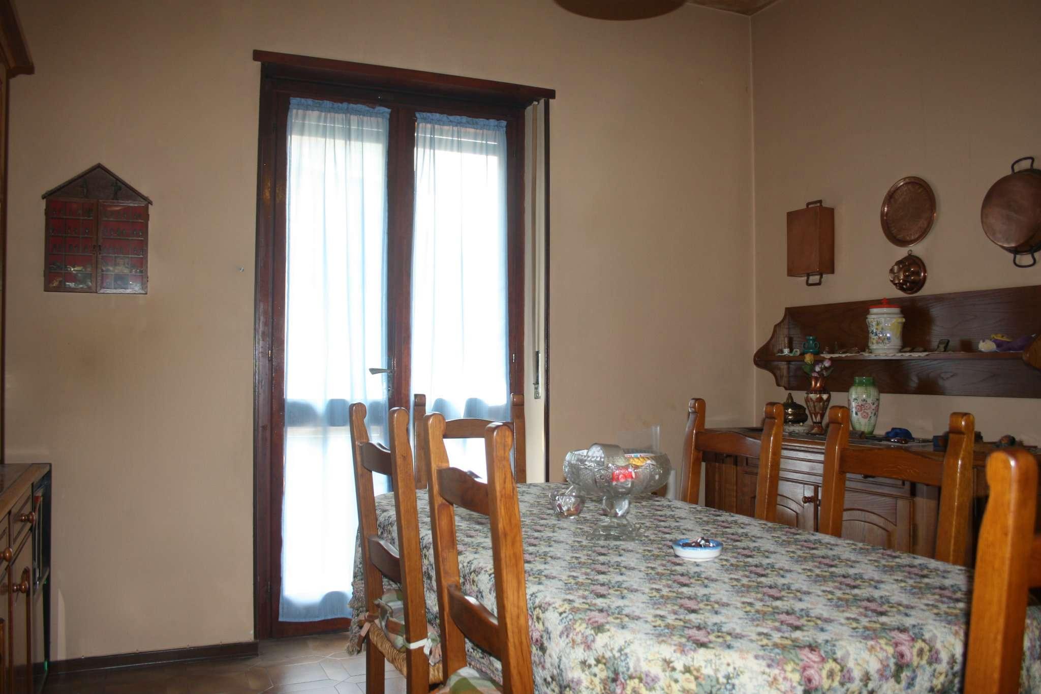Appartamento in vendita a Bra, 4 locali, prezzo € 98.000 | CambioCasa.it