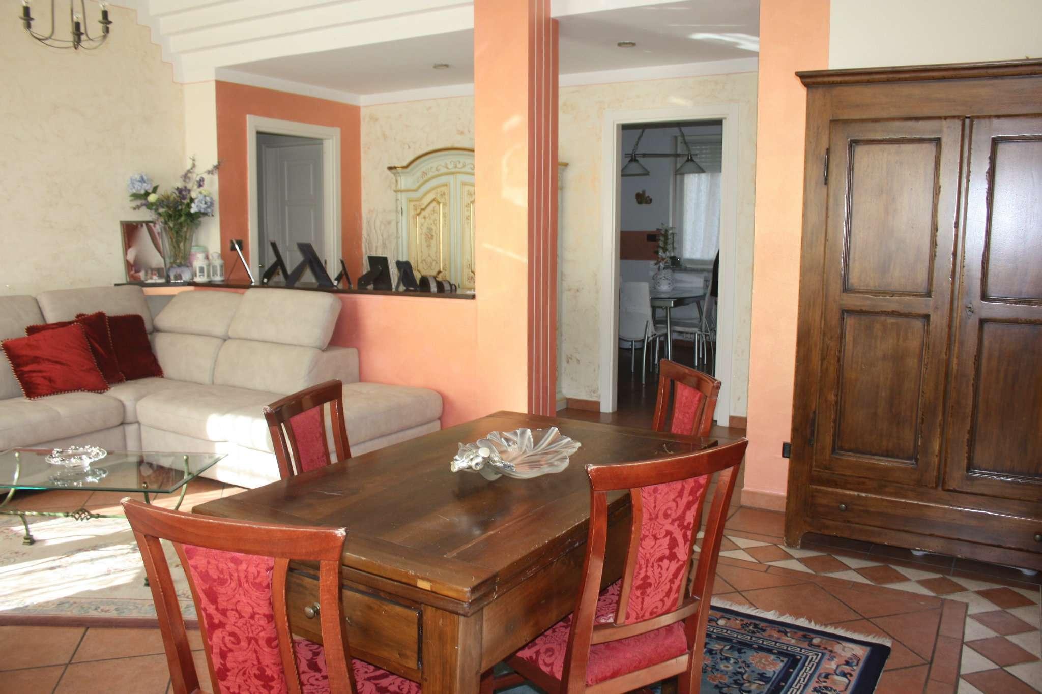 Appartamento in vendita a Bra, 5 locali, prezzo € 185.000 | CambioCasa.it