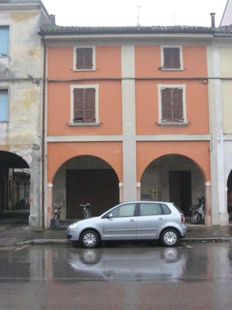 Soluzione Indipendente in vendita a Vescovato, 10 locali, prezzo € 100.000 | Cambio Casa.it