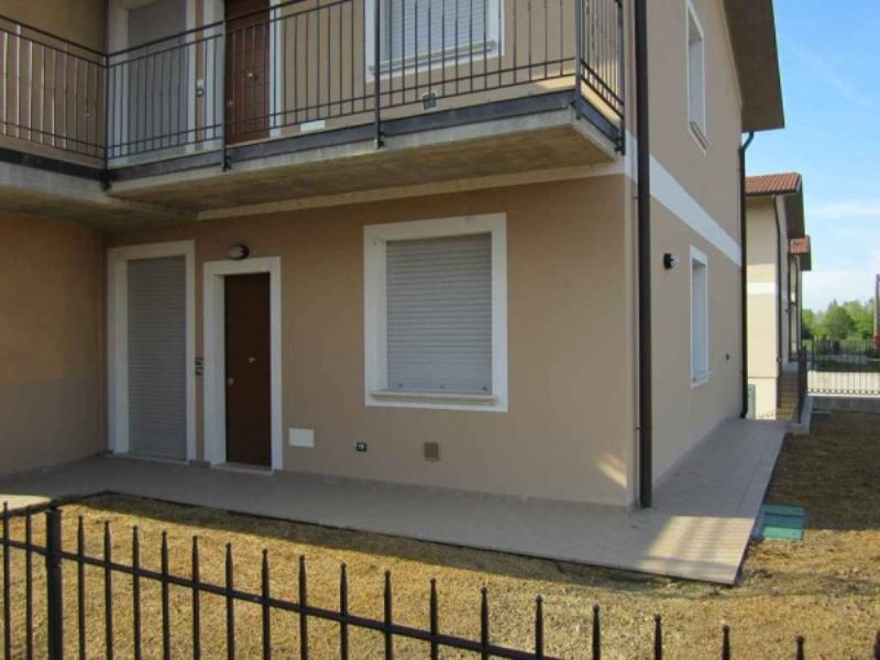Appartamento in vendita a Vescovato, 4 locali, prezzo € 134.000 | Cambio Casa.it